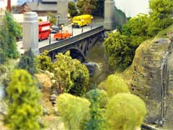 HO scale city viaduct scene
