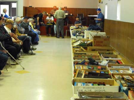 model train auction items for sale