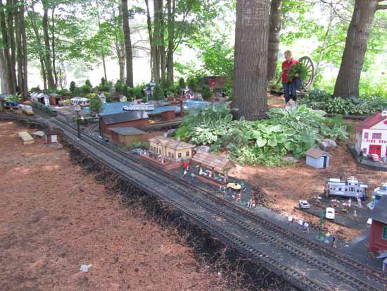G scale mainline