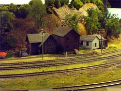 HO scale houses by track