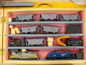 model train carry case shelves