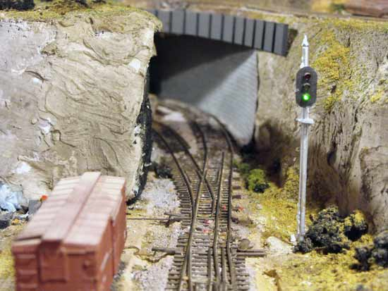 changing model railroad scenery