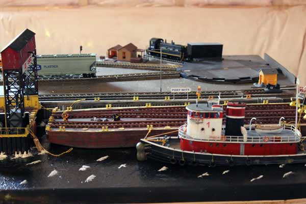 operating ho model barge apron
